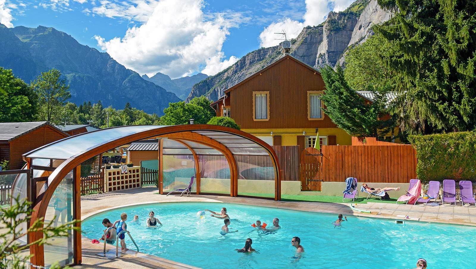 Camping alpes avec piscine couverte bourg d 39 oisans is re - Camping la piscine bourg d oisans ...